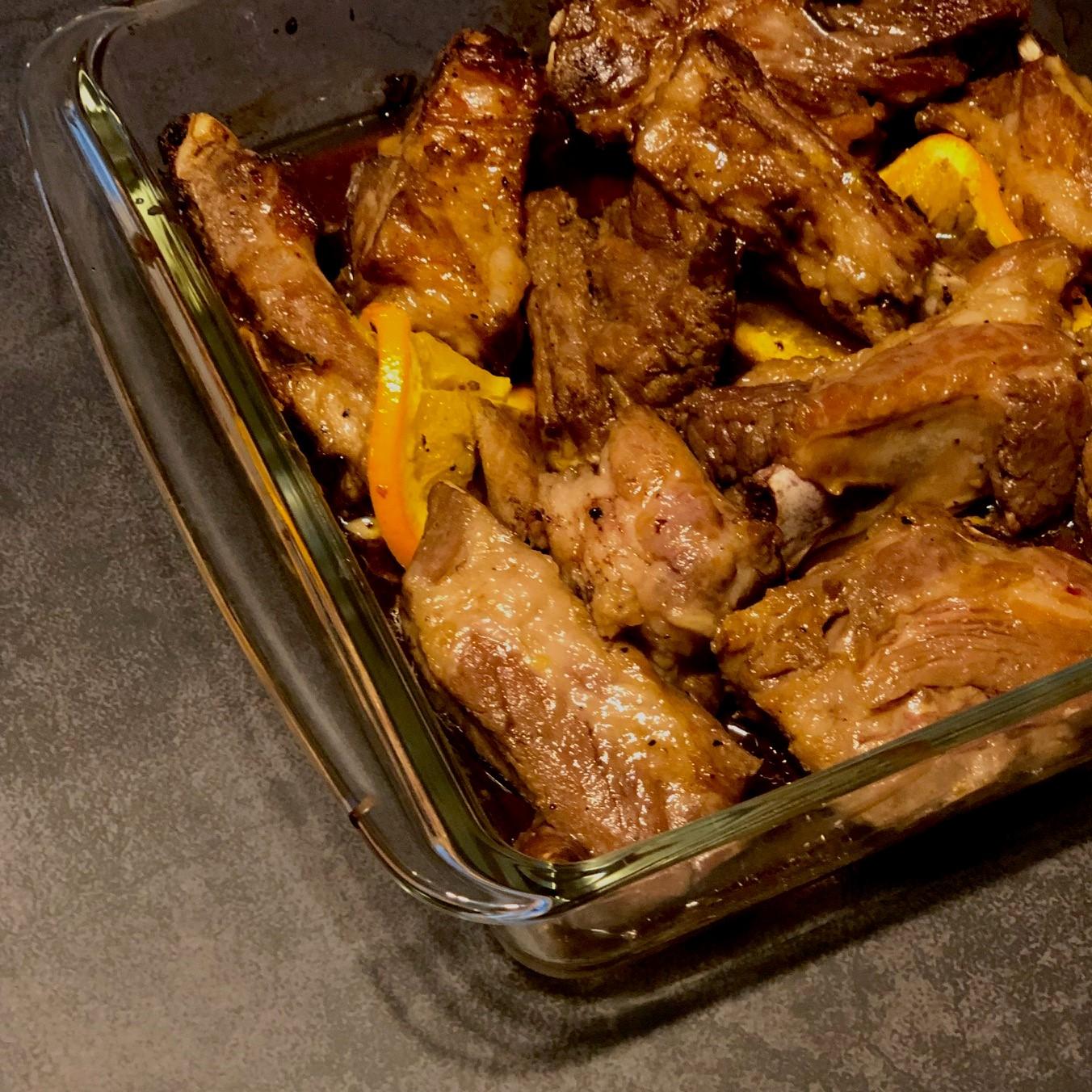 スペアリブのオレンジ風味焼き